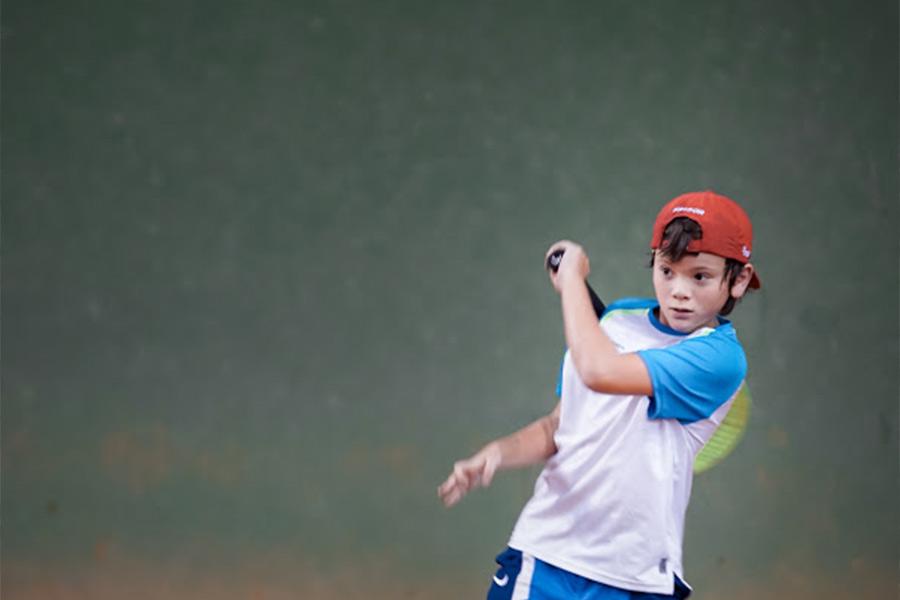 Carlo Omaki Tenis- 4 motivos para crianças jogarem tênis