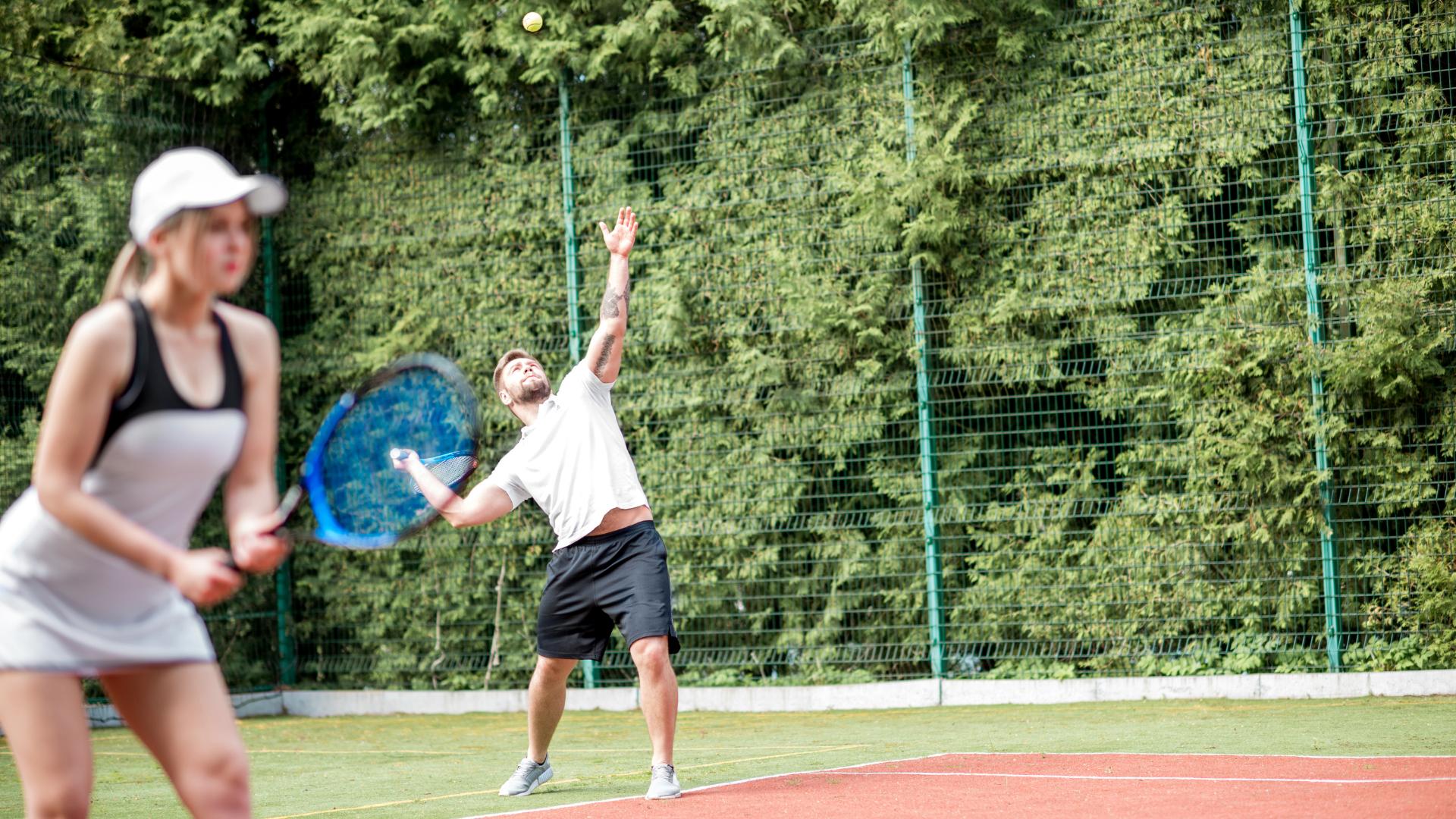 Omaki-Tenis-beneficios-de-jogar-tenis